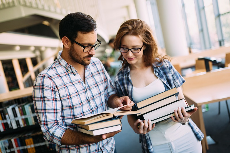 Siūlome darbą anglų kalbos specialistams darbui su suaugusiais!