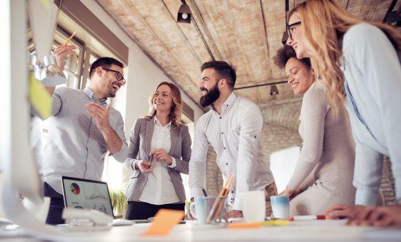 Kelios komandos – vienas lyderis. Kaip tai gali padėti organizacijai?